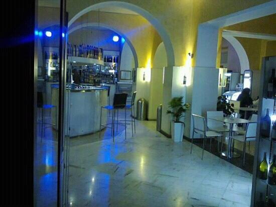 Agora Anytime Cafe: agora' anytime cafe'