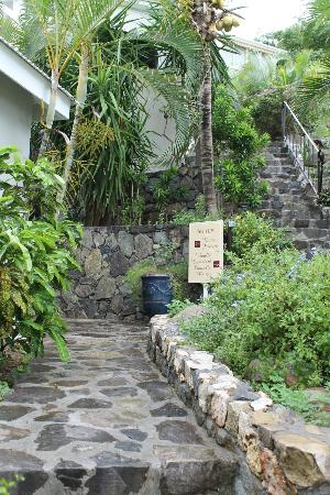 Sol e Luna Romantic Inn: Stairway to upper rooms