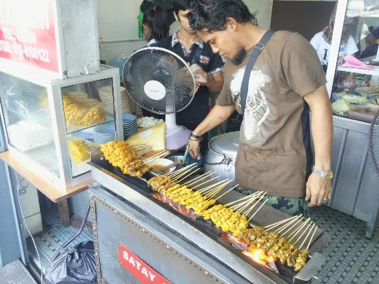 Yuit Cheong: Satay in preparation