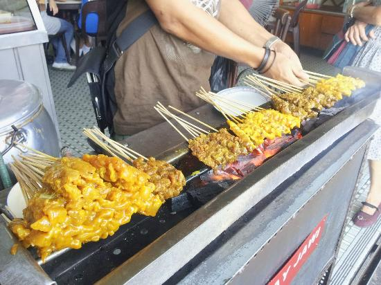 Yuit Cheong: Satay ready to serve