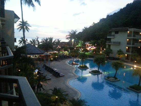Merlin Beach Resort: amazing hotel, staff are so friendly, excellent service and breakfast choice is brilliant.
