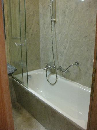 Grand Hotel Bristol: Marble Shower