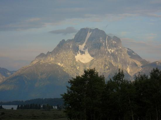 Jackson Lake Lodge: Mount Moran in the morning