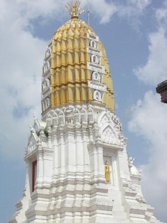At the temple - Bild von Phra Si Ratana Temple (Wat Yai), Phitsanulok - TripA...