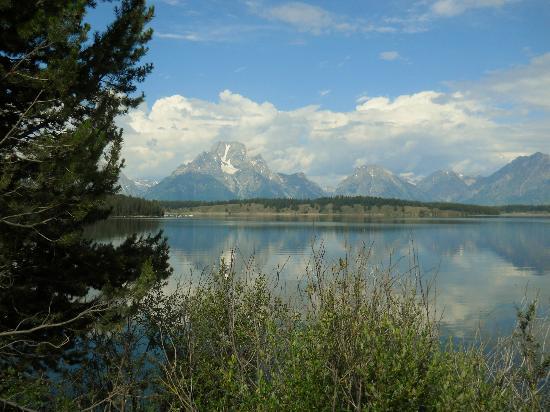Jackson Lake Lodge : Mountains and Jackson Lake