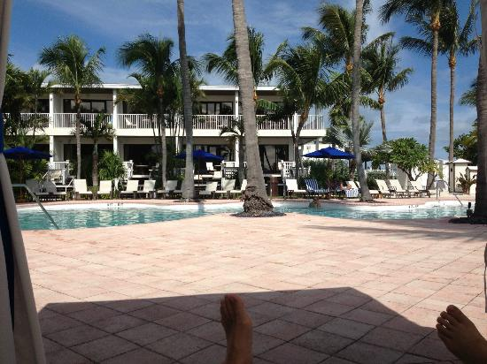 Hawks Cay Resort: View from the cabana at the adult pool