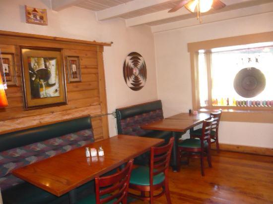 El Comal: cozy dinning room