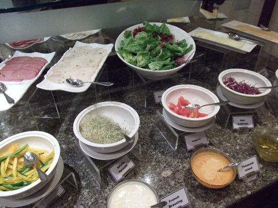 Hotel Equatorial Melaka: Cold dishes at Breakfast Buffet
