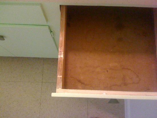Hope Springs: Dirty bathroom drawers