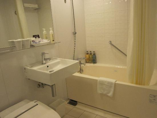 Mitsui Garden Hotel Yotsuya: Bathroom
