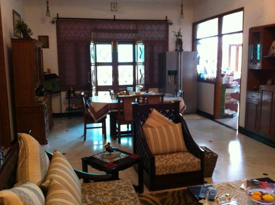 Jaipur Friendly Villa: lounge/diner at Friendly Villa