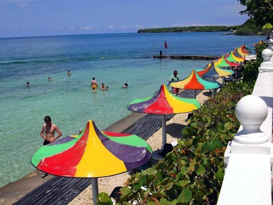 Cocoliso Island Resort Beach