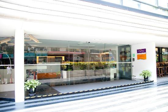 Citadines Sukhumvit 23 Bangkok: エントランス