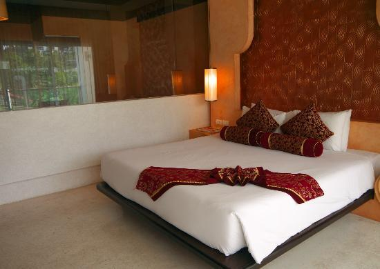 Chanalai Romantica Resort: Superior Pool View Room