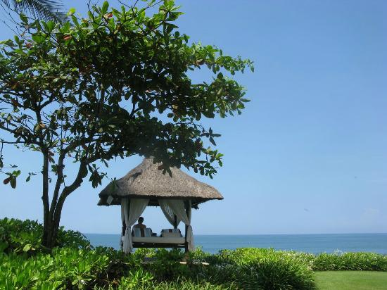 Pan Pacific Nirwana Bali Resort: We could access the internet from here!!