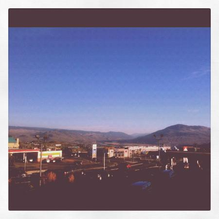 Four Points by Sheraton Kamloops: Kamloops in the morning