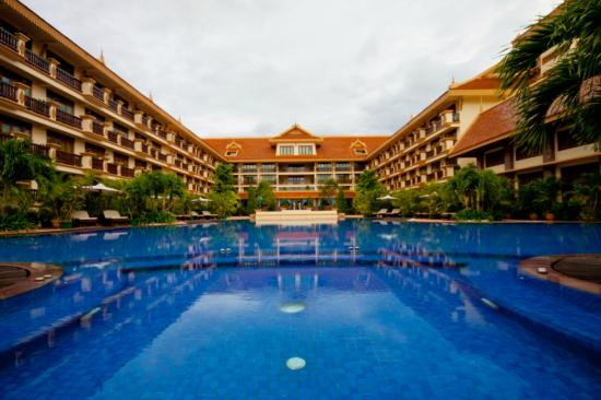 Angkor Era Hotel: Swimming Pool