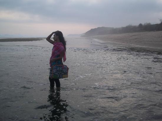 Pantai Sundak: Xhow quite this beach