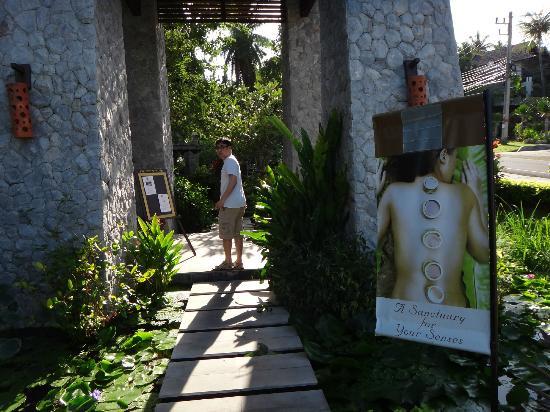 Bhundhari Spa Resort & Villas Samui: Entrance to Spa Sanctuary 