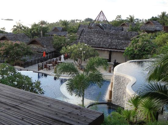 Bhundhari Spa Resort & Villas Samui: Cascading pools