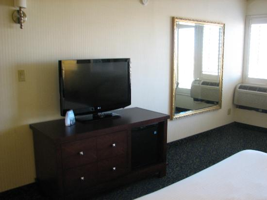 Main Street Station Hotel & Casino: Large Flatscreen TV