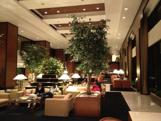 Trident, Nariman Point : beautiful lobby to hang out