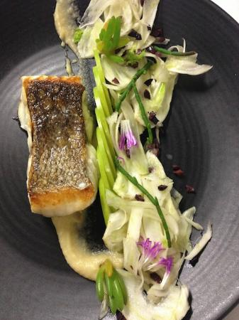 Le Pelican : Pan roasted bass grouper with fennel salad