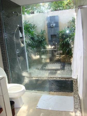The Zen Villas: bathroom