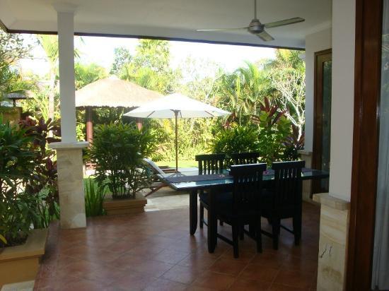 The Zen Villas: outdoor area