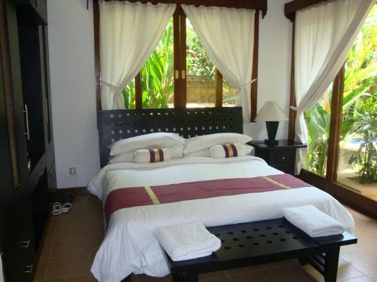 The Zen Villas: bedroom