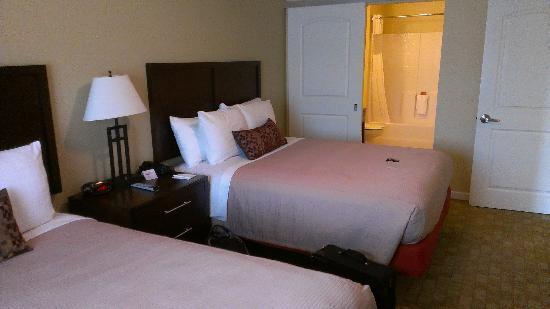 ليدج ستون هوتل: Bedroom