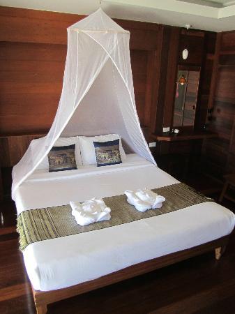 Koh Ngai Thanya Beach Resort: unser Doppelbett