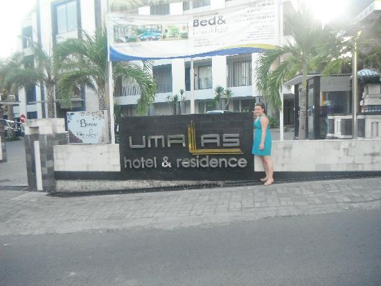 Umalas Hotel and Residence: Front of hotel