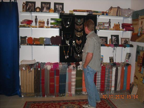 Mara House: Gift shop