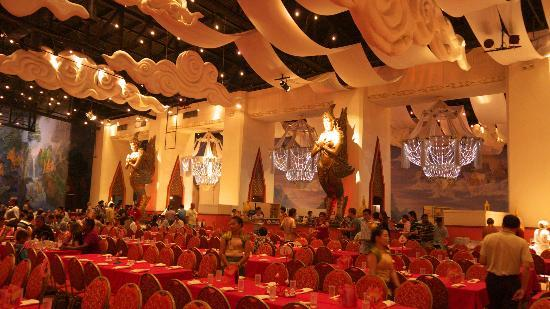 Phuket FantaSea : Golden Kinnaree Buffet Restaurant