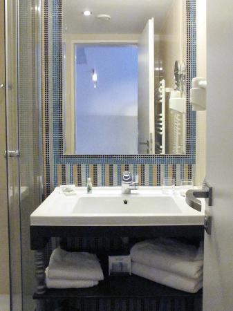 La Prima Fashion Hotel : Modern and clean