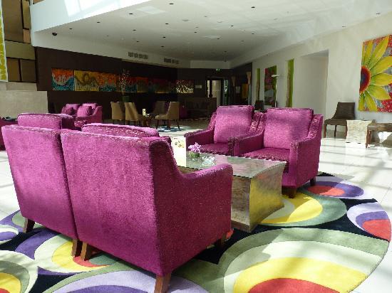 Traders Hotel, Qaryat Al Beri, Abu Dhabi: lounge