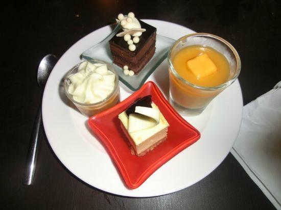 Anantara Sathorn Bangkok Hotel: Anantara Bangkok Sathorn Kasara Lounge