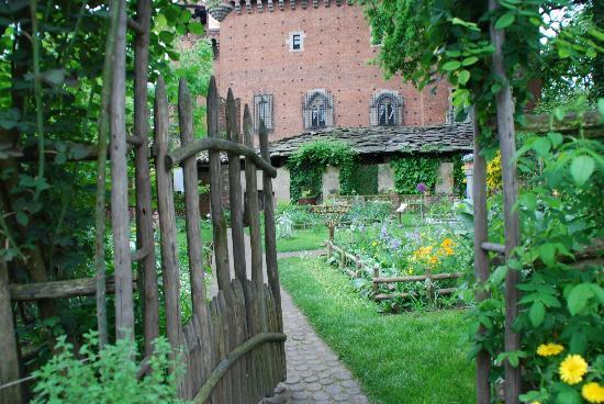 Cancelletto in giardino foto di giardino medievale for Cancelletto da giardino