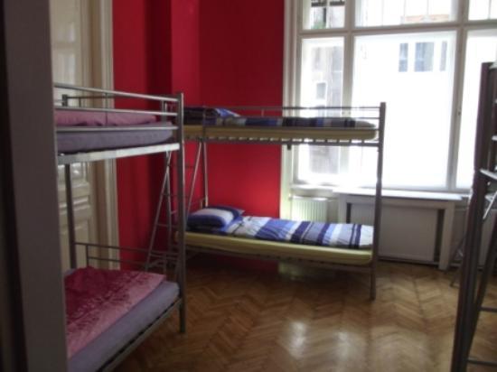 Fifth Hostel: Dorm Room