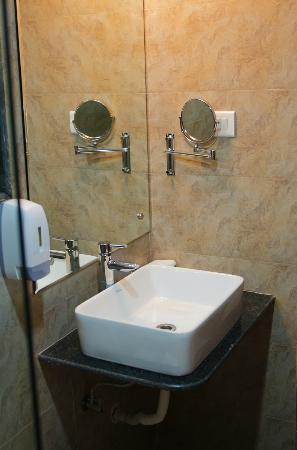 The Haven Serviced Residences : Bathroom Wash Basin