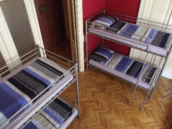 Fifth Hostel: Dorm Bedroom