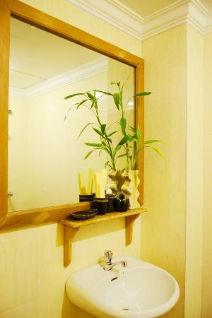 La Magnolia d'Angkor Boutique: Bathroom