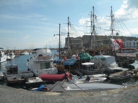 Hotel Pia Bella: Harbour