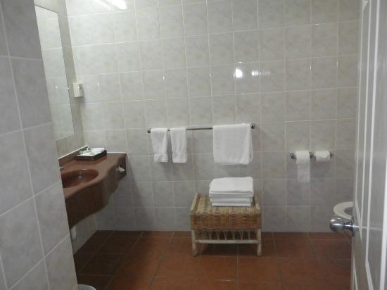 ริดจ์โฮเต็ลโรโตรัว: bathroom