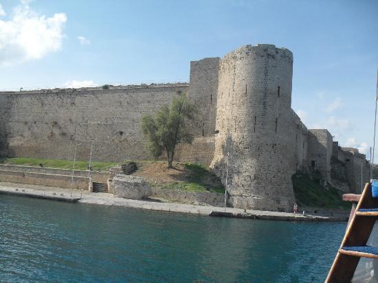 Hotel Pia Bella: Kyrenia castle