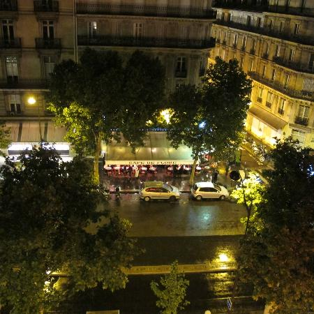 Au Manoir Saint Germain De Pres: night view from room 501