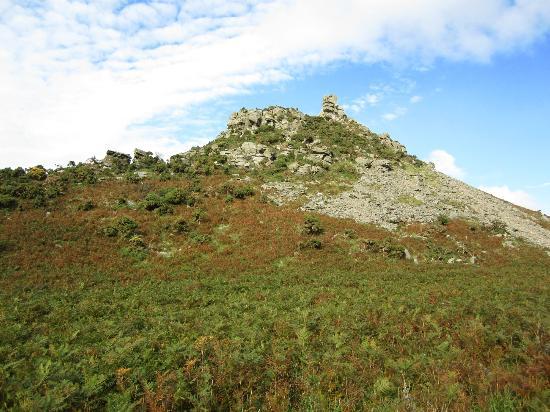 Valley of Rocks Walk-South West Coast Path: vista valley of rocks