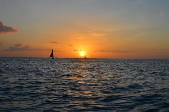 Boracay Beach Club: sunset in paradise by LaoDaet