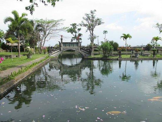 Seraya, Indonesia: water palace